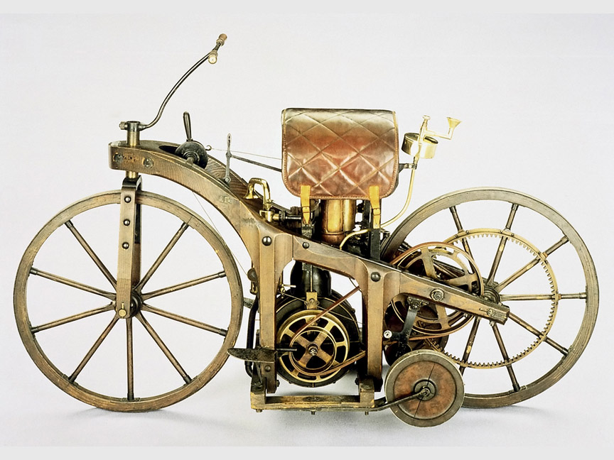 1885-daimler-riding-car