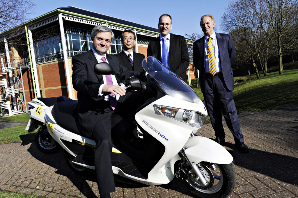 030911-suzuki-burgman-fuel-cell-intelligent-energy