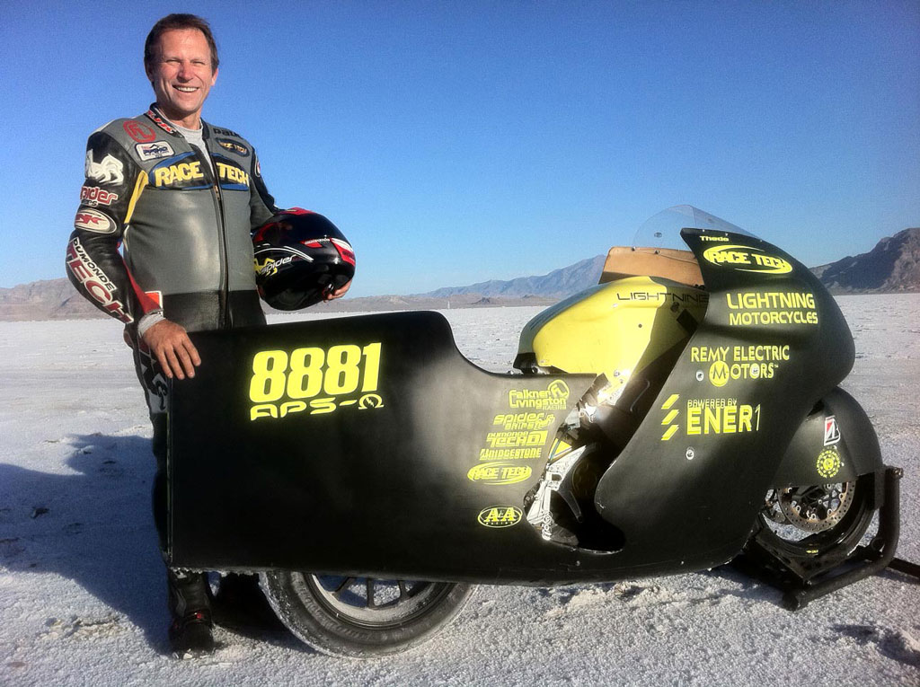 081611-thede-lighning-motorcycles-bonneville