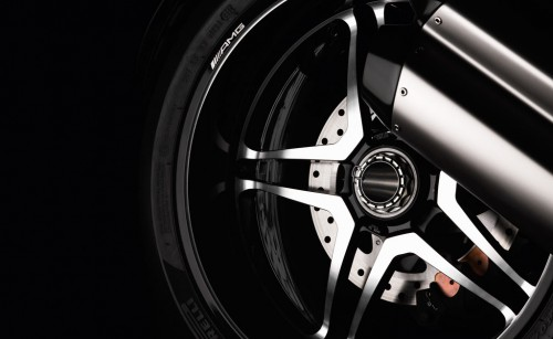 090711-2012-ducati-diavel-amg-se-wheel