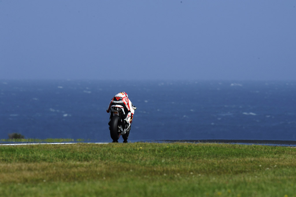 0900_R16_Simoncelli_action