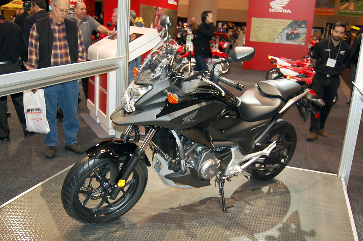 2012 honda nc700x and nc700s debuts in canada msrp. Black Bedroom Furniture Sets. Home Design Ideas