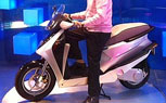 Hero Moto Unveils Leap Hybrid Scooter Concept, Claims 235 MPG