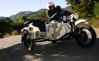 2011-ural-gear-up-sidecar-thumb