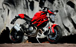 030212-2012-ducati-monster-1100-evo-t