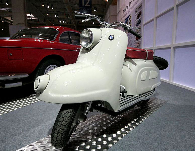 052312-1950-bmw-r10-scooter-prototype
