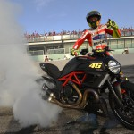 062512-ducati-diavel-world-ducati-week-rossi-burnout