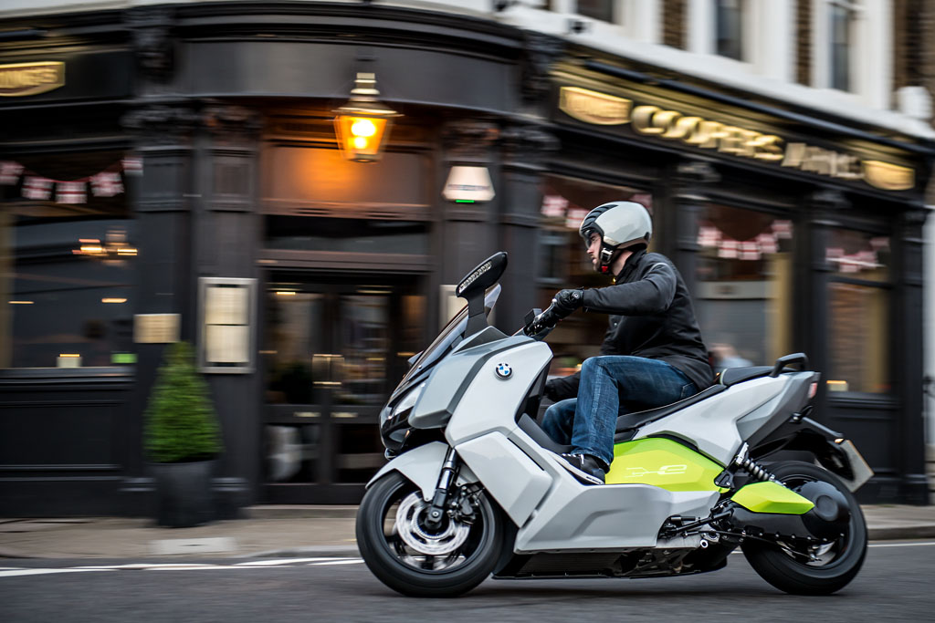 072712-bmw-c-evolution-scooter-prototype-33