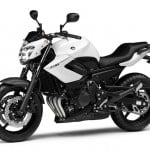 2013-Yamaha-XJ6-EU-Competition-White-Studio-007