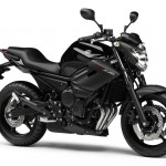 2013-Yamaha-XJ6-EU-Midnight-Black-Studio-001
