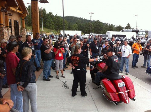 Gunny Addresses Crowd at Victory Owners Ride