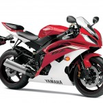 091312-2013-yamaha-yzf-r6-red-03