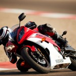 091312-2013-yamaha-yzf-r6-red-track-02