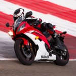 091312-2013-yamaha-yzf-r6-red-track-05