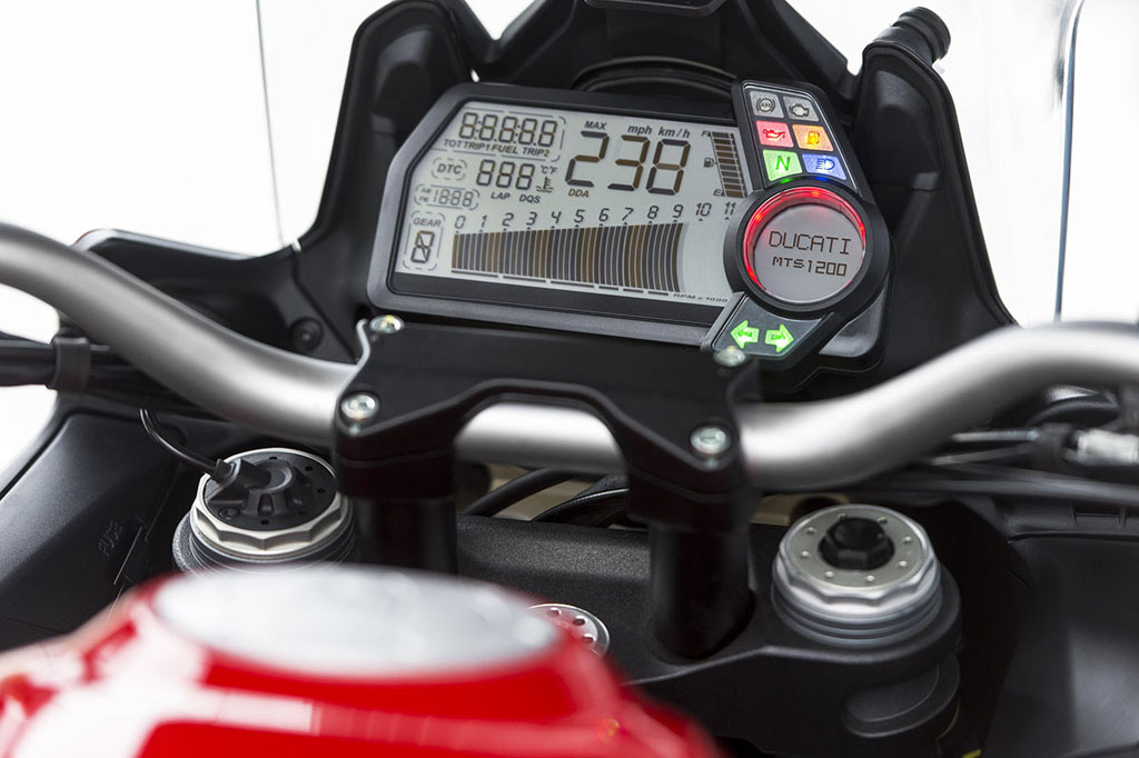 092012-2013-ducati-multistrada-1200-display