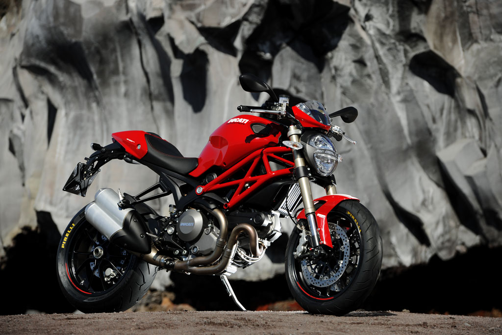 100312-2013-ducati-monster-12-49 1100 evo