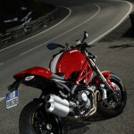 100312-2013-ducati-monster-13-48 1100 evo