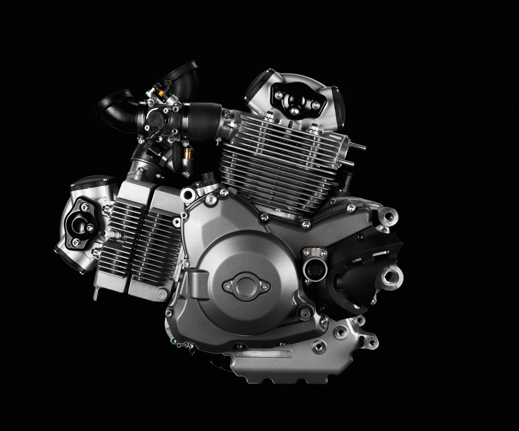 100312-2013-ducati-monster-15-46 1100 evo