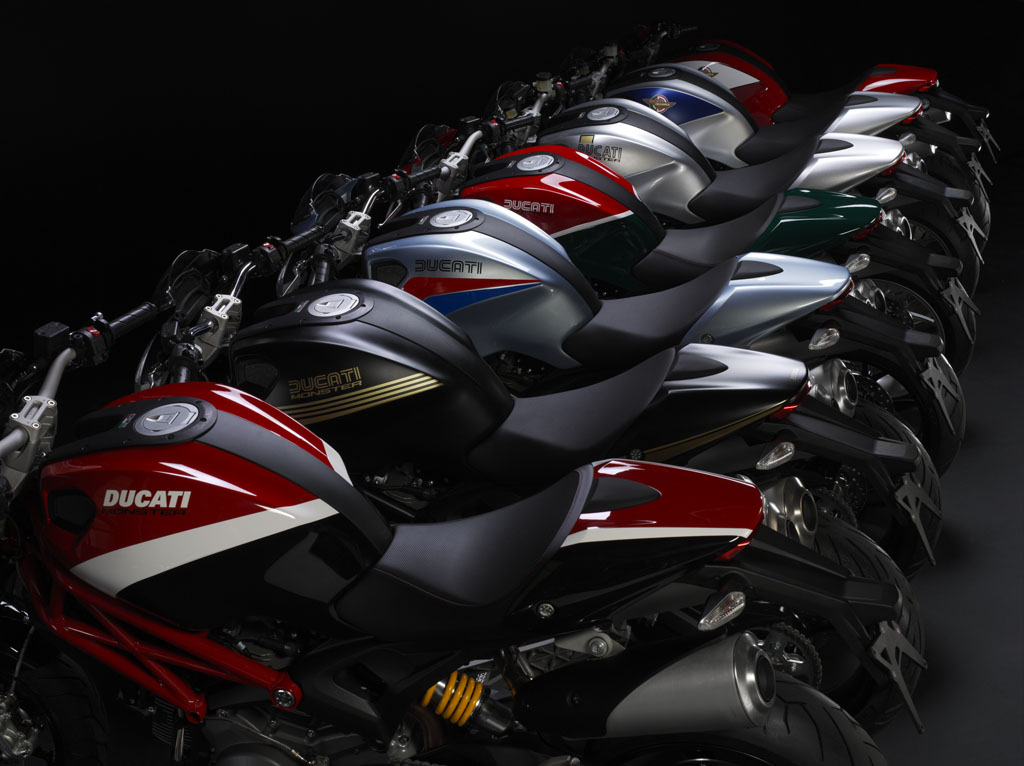 100312-2013-ducati-monster-2-59 logomania