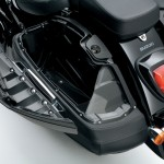 INTRUDER_VL1500BTL3_Hard_saddlebags_Open