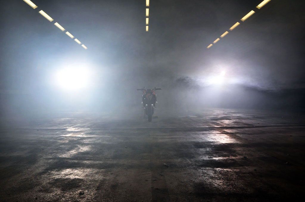 110912-2013-ktm-1290-super-duke-teaser-1