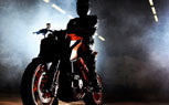 110912-2013-ktm-1290-super-duke-teaser-t