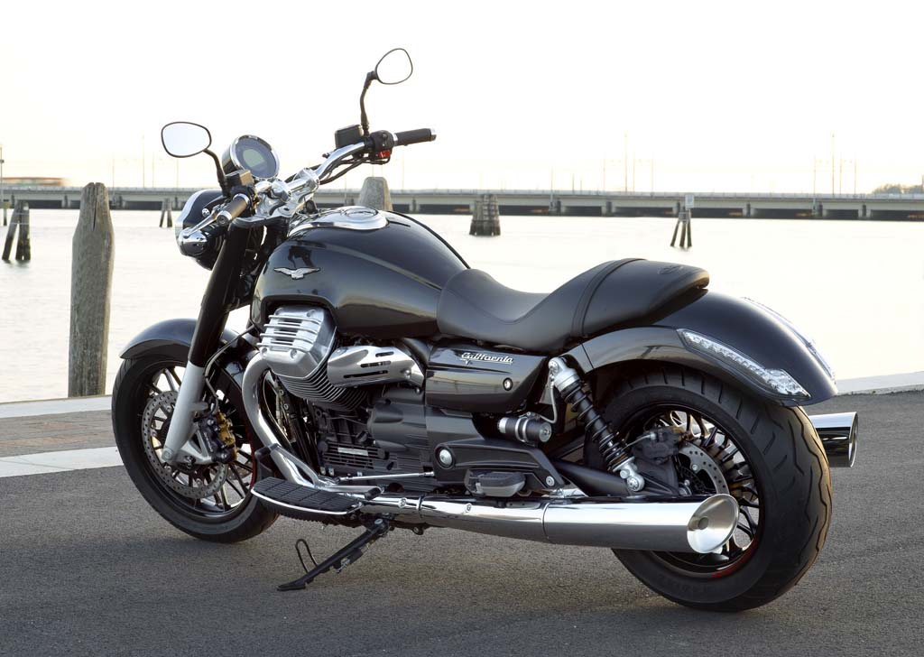 111312-2013-moto-guzzi-california-custom-32