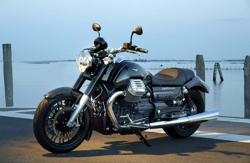111312-2013-moto-guzzi-california-custom-36