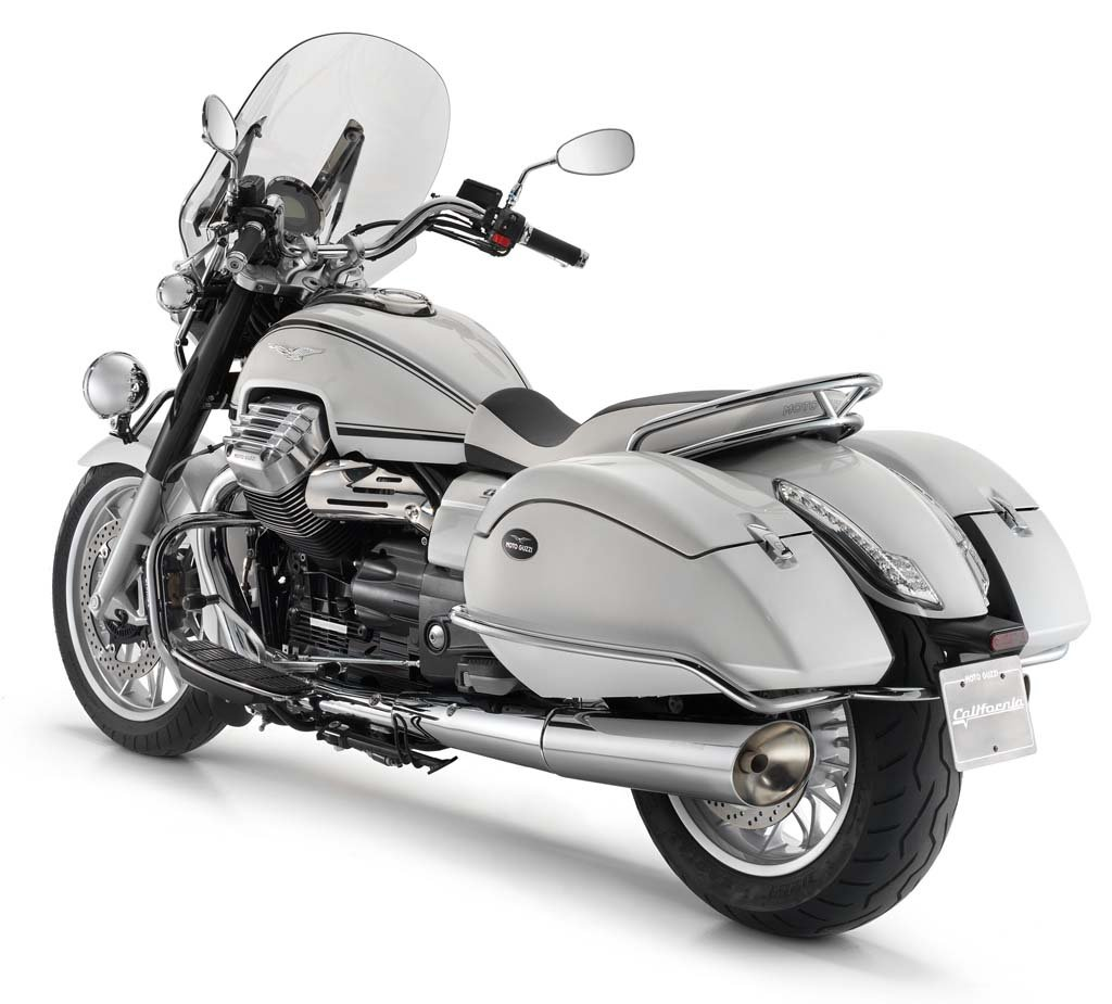 111312-2013-moto-guzzi-california-touring-14