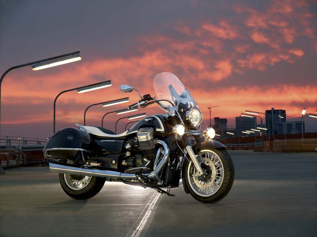111312-2013-moto-guzzi-california-touring-33