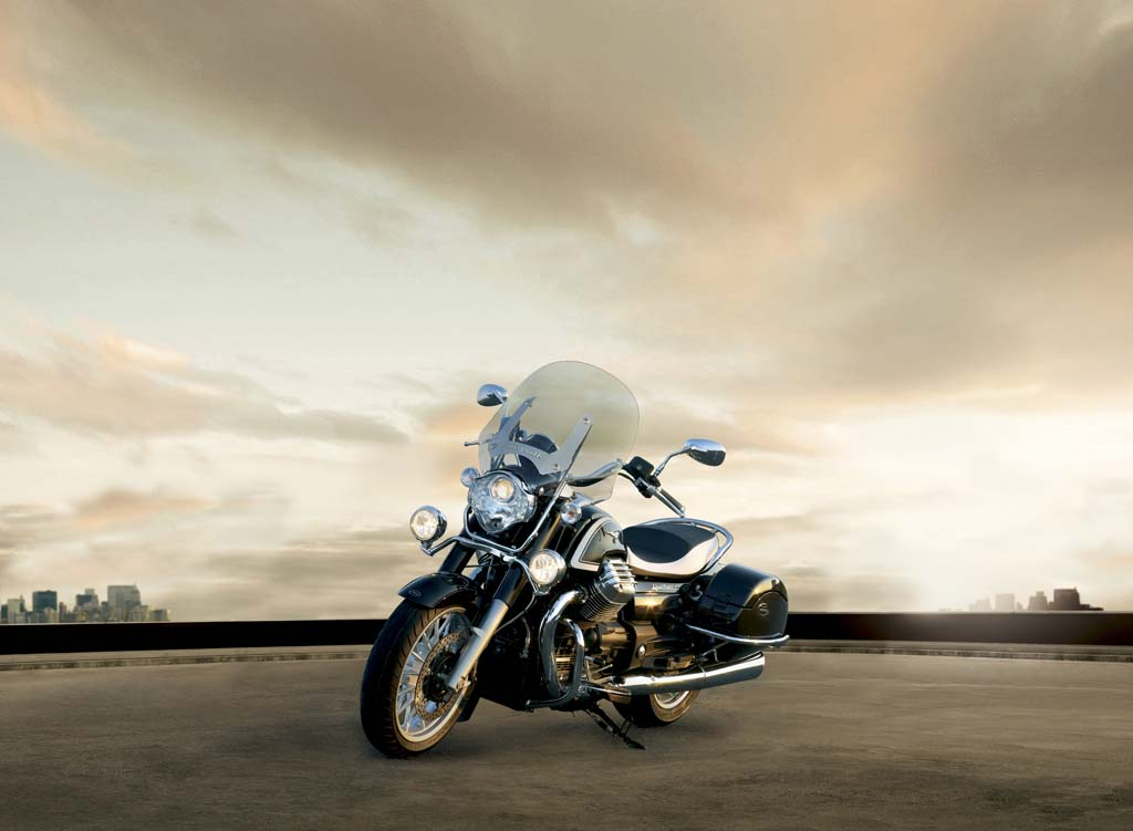 111312-2013-moto-guzzi-california-touring-36