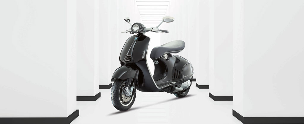 2013-Vespa-946-Black-Beauty-01