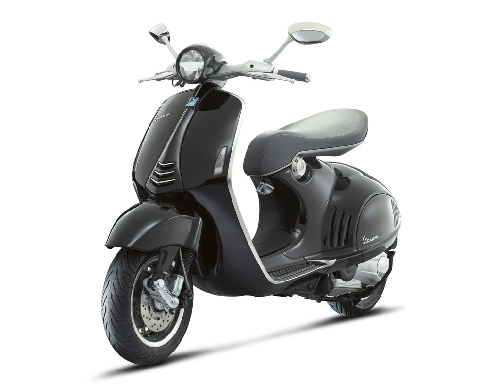2013-Vespa-946-Black-Front-Left