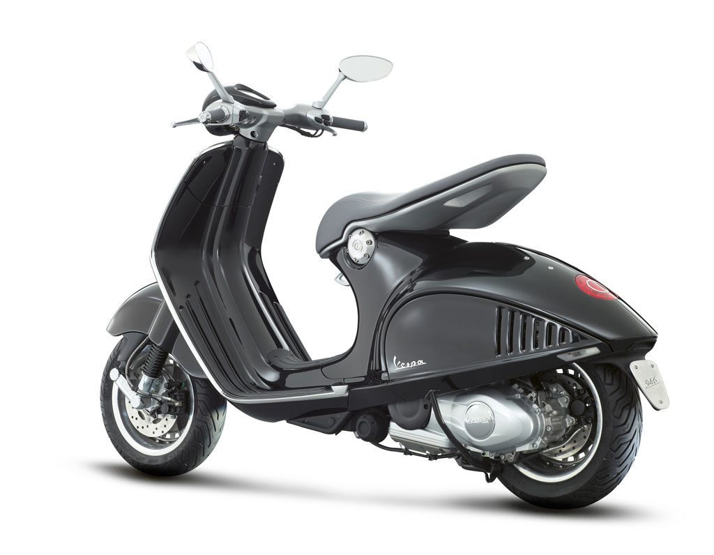 2013-Vespa-946-Black-Left-Rear