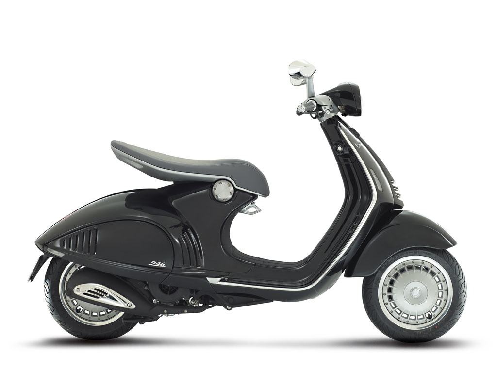 2013-Vespa-946-Black-Profile-Right