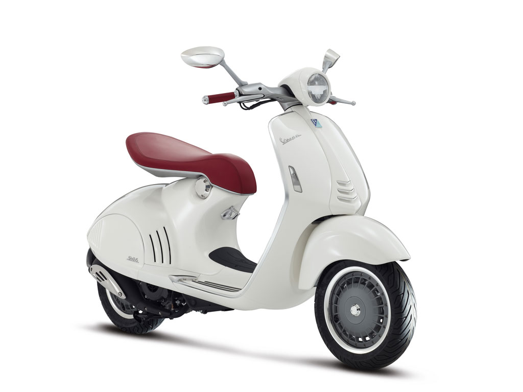 2013-Vespa-946-White-Front-Right
