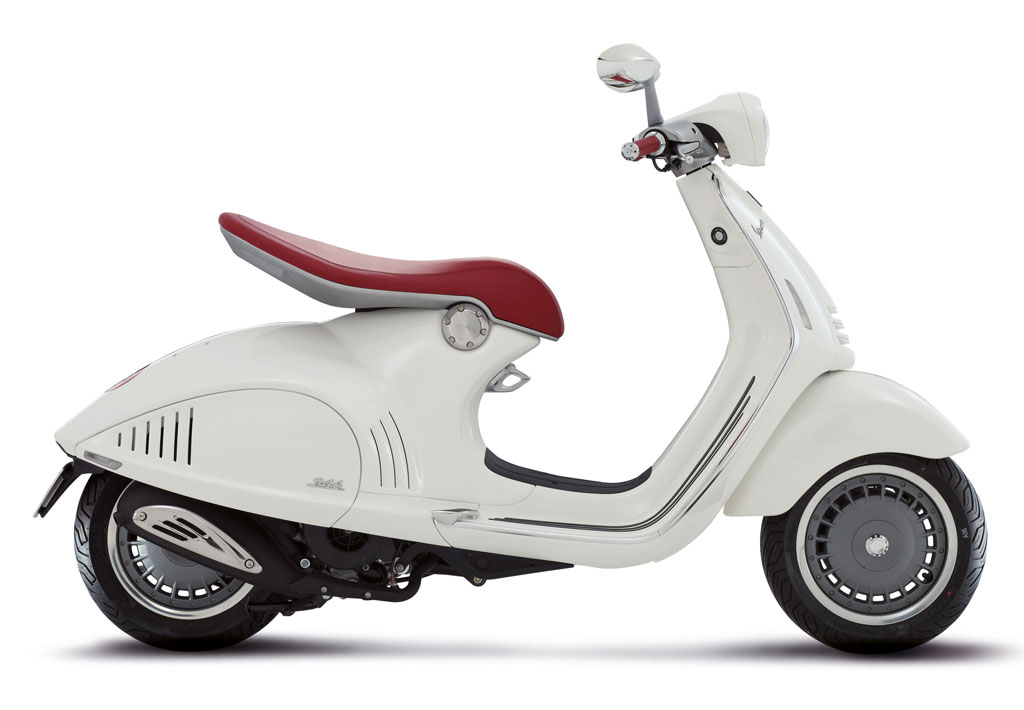 2013-Vespa-946-White-Profile-Right