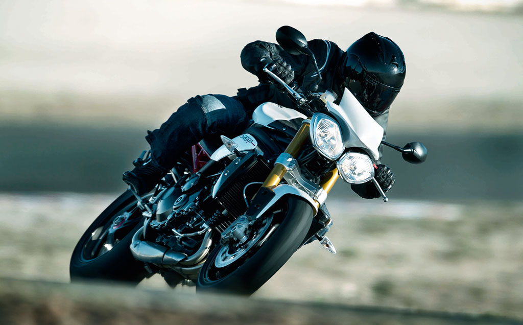 032513-2013-triumph-speed-triple-r-1
