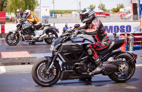 2012 Ducati Diavel Cromo vs. Star VMax