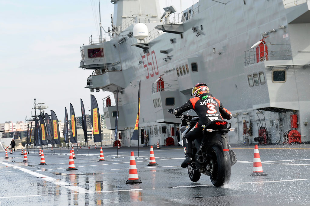 040913-biaggi-pirelli-angel-gt-aircraft-carrier-2
