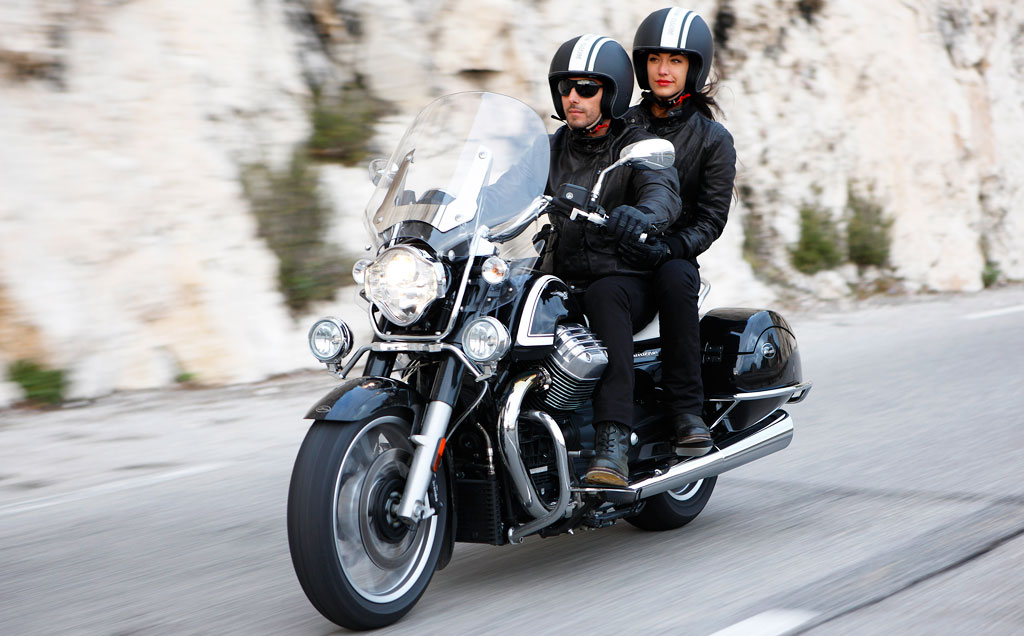 041013-2014-moto-guzzi-california-1400-touring