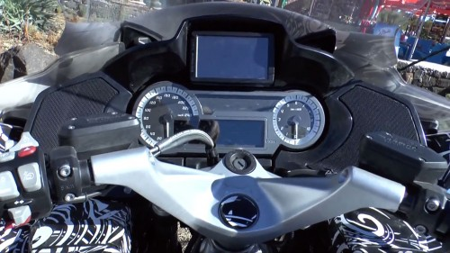 041713-2014-bmw-r1200rt-gt-instruments-spy-video