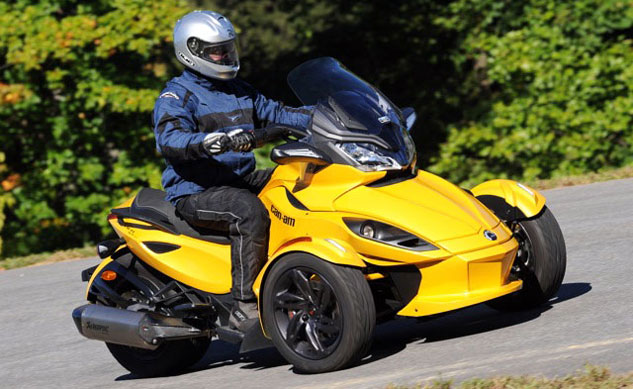 041913-2013-can-am-spyder-st-s-f