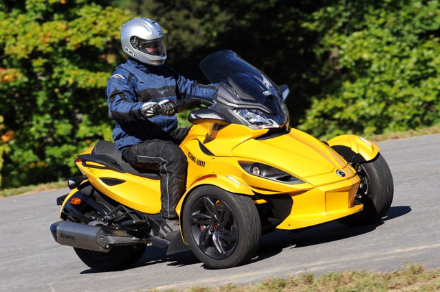 041913-2013-can-am-spyder-st-s