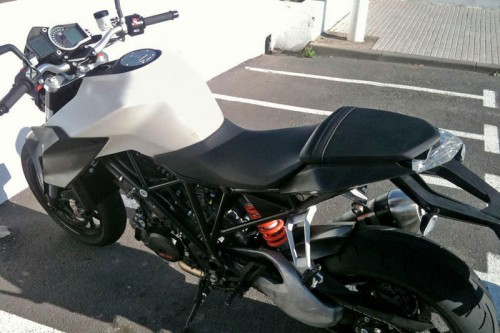 042213-2014-ktm-1290-super-duke-spy-photo-3