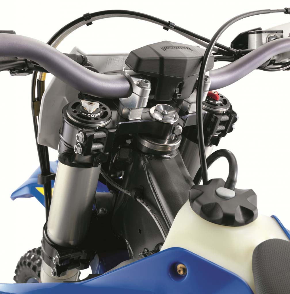 052313-2014-husaberg-te-triple-clamp