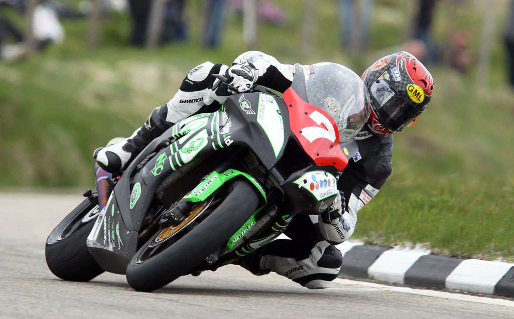 060313-gary-johnson-iomtt-superstock-action-1