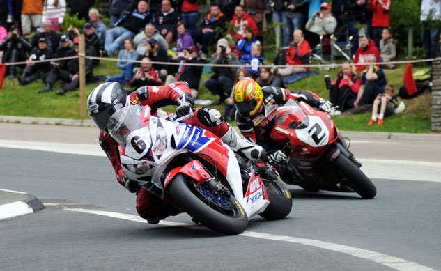060313-michael-dunlop-cameron-donald-iomtt-superbike-action-f