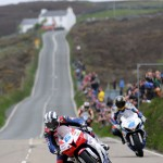 060313-michael-dunlop-guy-martin-iomtt-supersport-race-1-action