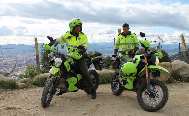 062613-zero-police-motorcycles-colombia-13-f